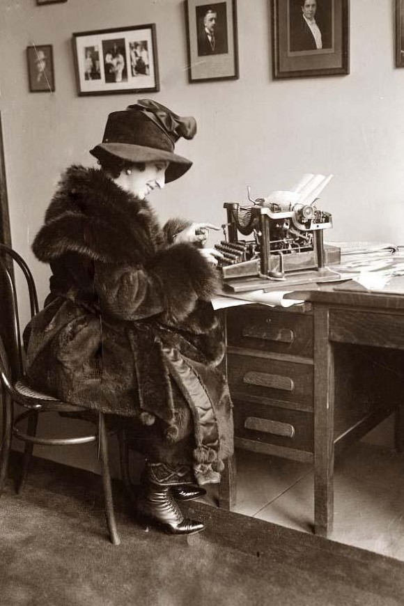 typing-woman
